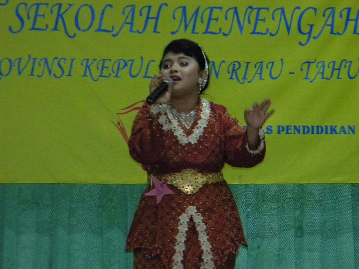 Penampilan diana di lomba solo vokal, akhirnya diana menjadi utusan provinsi ke tingkat nasional yang pada tahun 2010 di adakan di Surabaya....