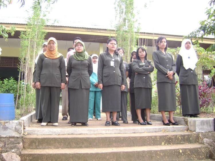 Majelis guru ketika pelantikan ketua OSISI terpilih