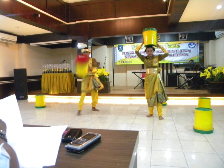 Sebelum ke tingkat nasional Dani dan Ungek harus terlebih dahulu memenangkan tingkat provinsi yang di adakan oleh Dinas Pendidikan dan Kebudayaan Provinsi Kepri di Tanjung Pinang
