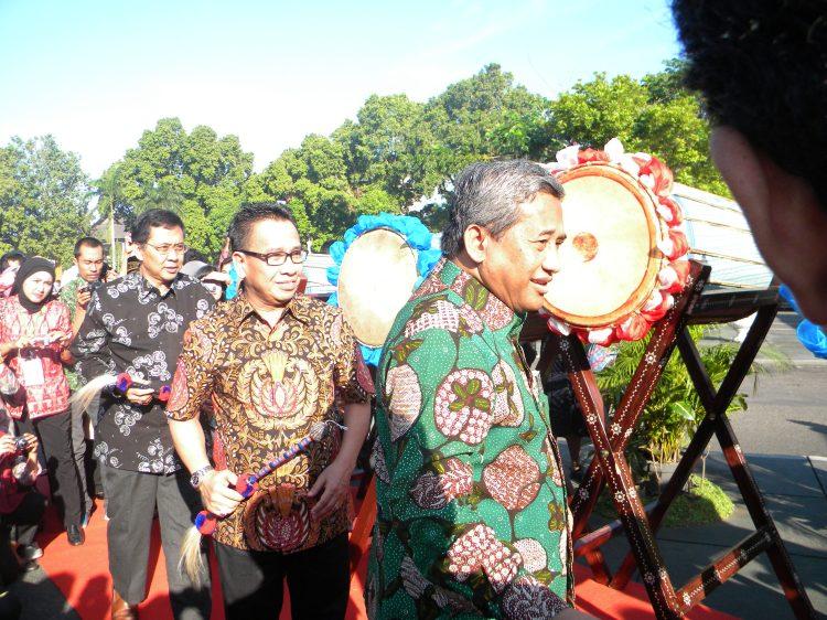 FLS2N di Buka oleh Menteri pendidikan dan kebudayaan Republik Indonesia....