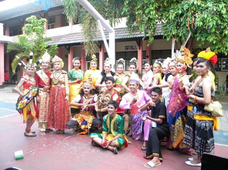 Indonesia itu kaya akan budaya, ini bukti nyatanya....fls2n bener luar biasa