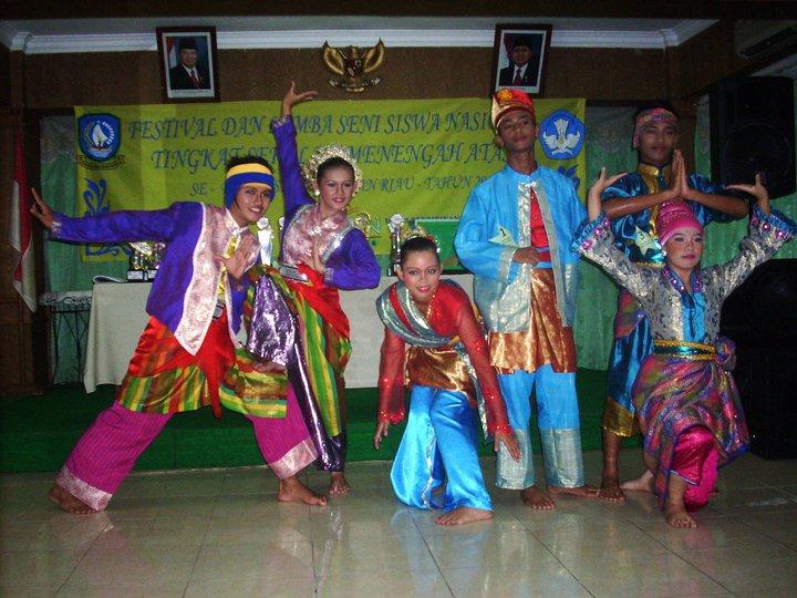 Egi dan Bravo beserta peserta dari kabupaten dan kota se provinsi kepri