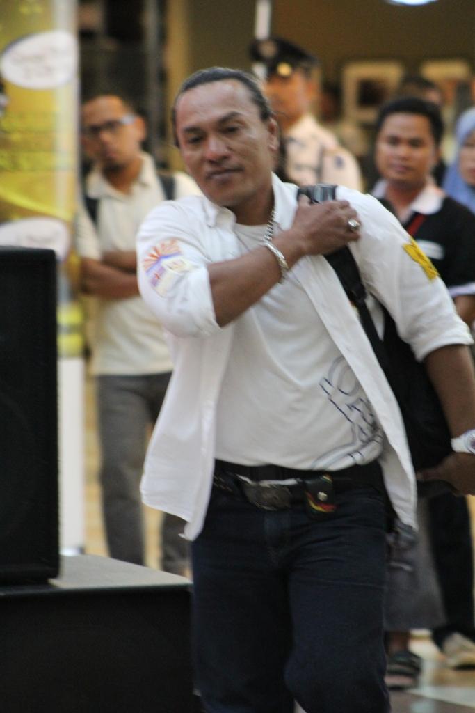 Roy Robert Dewan Juri Fashion dan Modern Dance dari Tanjung Pinang