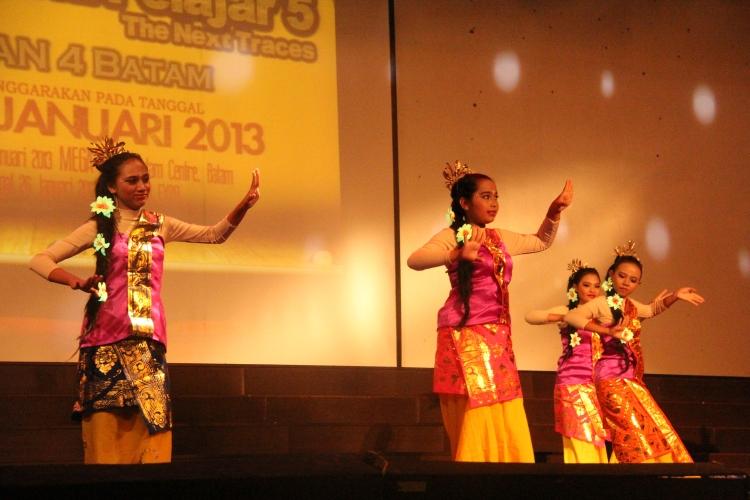 Masih dalam tari nusantara dari Bali