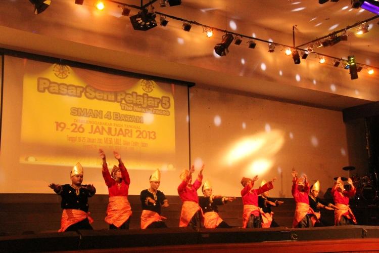 Tari Indang dari Sumatera Barat