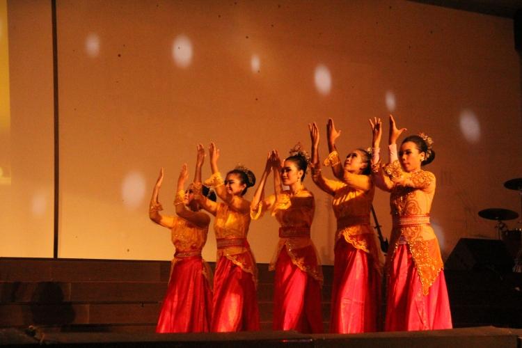 Tari dari Jawa Barat pada acara malam puncak PSP 5