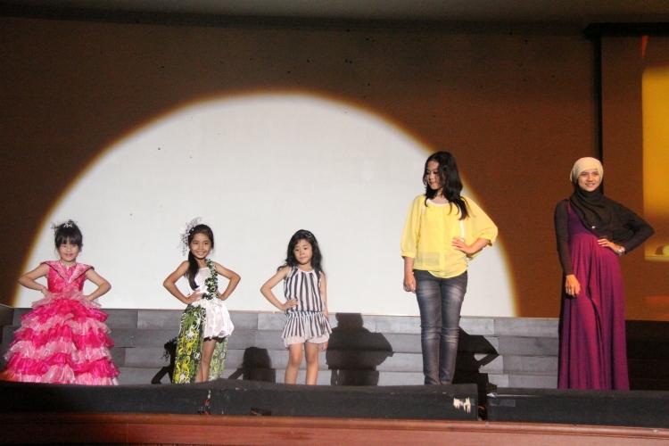Pemenang lomba Fashion Show kategori anak-anak dan remaja...selamat yah pemenang....