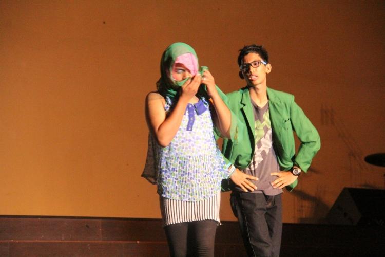 penampilan teater dari siswa siswi SMA N 4 batam