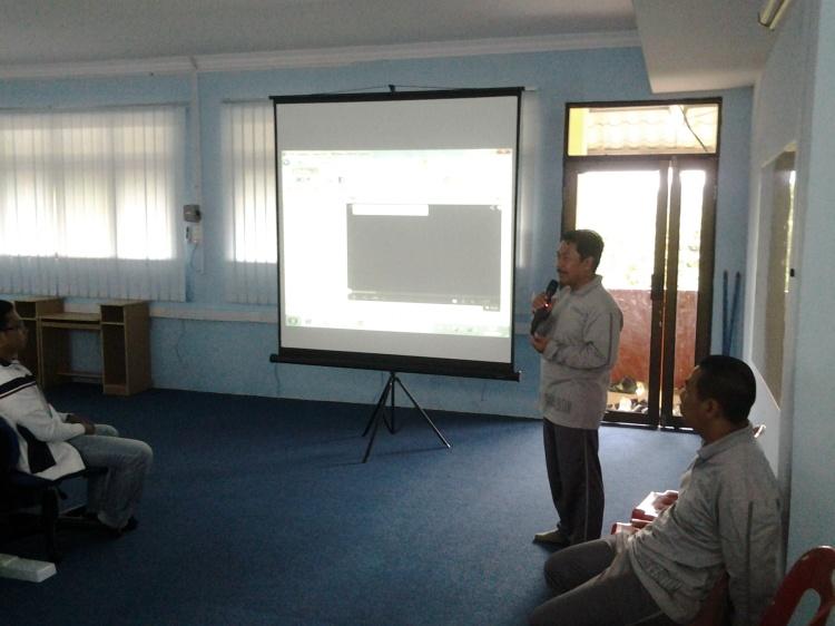 Pak Jati waka peningkatan mutu dalam memberikan tanggapan atas pertanyaan tentang mutu SMA N 4 Batam
