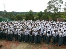 Peringatan Hari Pahlawan di Lapangan SMA Negeri 4 Batam