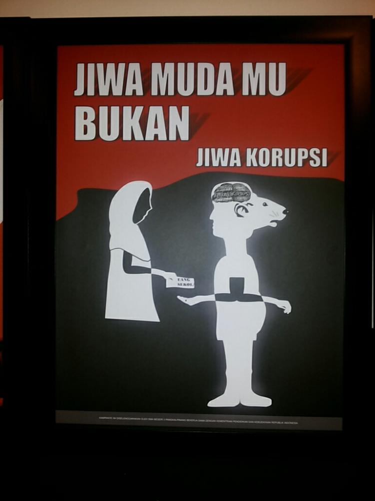 poster lain dari karya yang dipajang