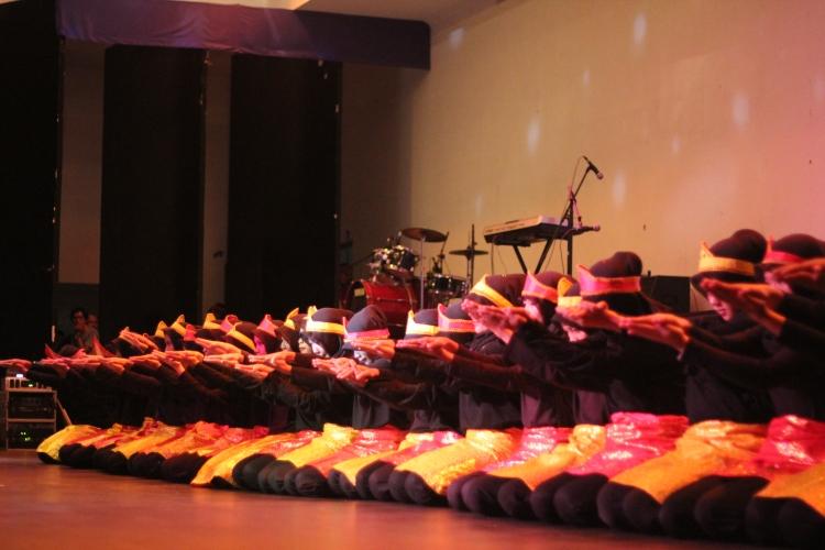 Penampilan tari Saman oleh 29 pelajar SMA Negeri 4 Batam