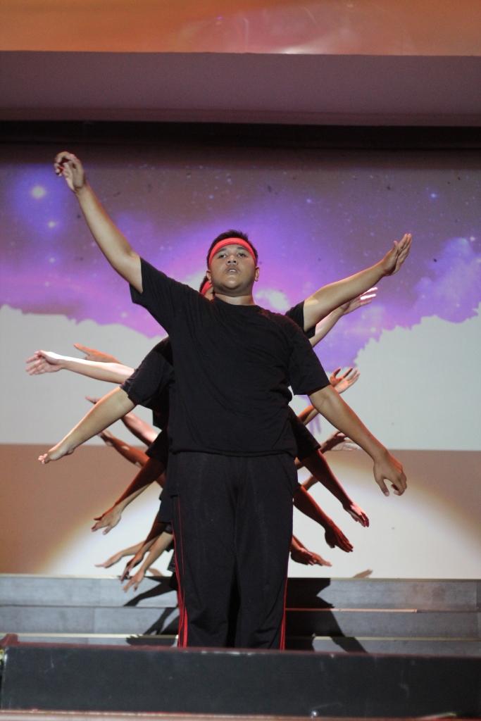 penampilan dance dari para jejaka...