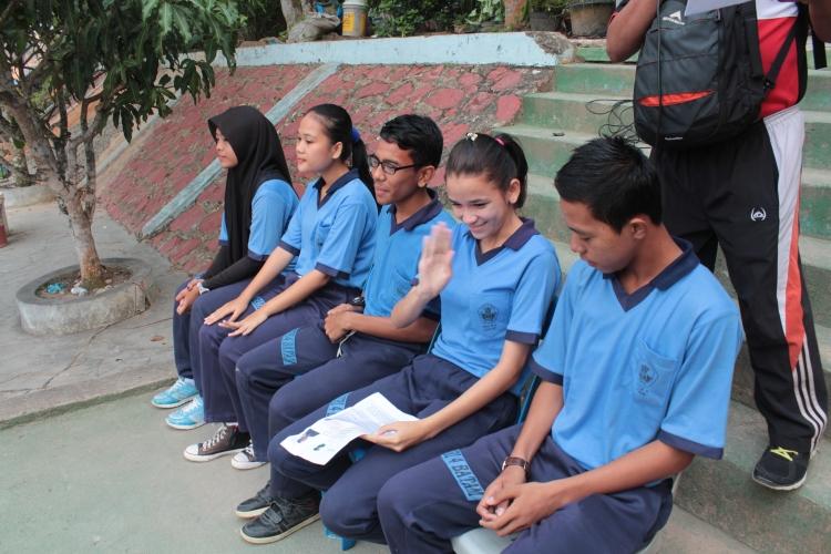 5 orang kandidat ketua osis menyampaikan visi dan misinya dihadapan siswa...