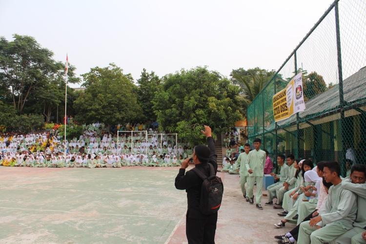 Suasana Pemilu Raya di Lapangan SMA Negeri 4 Batam